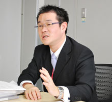 コニカミノルタビズコム株式会社  第1事業部 第1営業部 部長代理 青山 成道氏