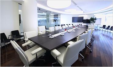 さまざまな規模の会議室に対応