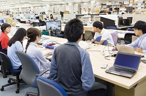 社内コミュニケーション強化に向けたテレビ会議の充実を目的にV-CUBE Boxを導入。