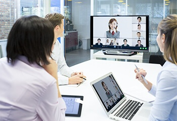 Web会議化で、移動時間・コストを大幅削減