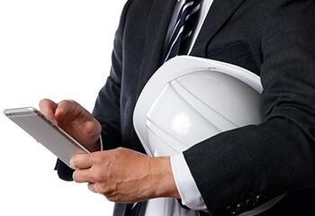 モバイル対応で、拠点や自宅に戻れない社員とも連絡可能